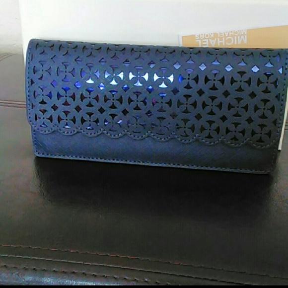 734ace54cac8 MICHAEL Michael Kors Bags | Nwt Michael Kors Desi Flat Wallet Navy ...